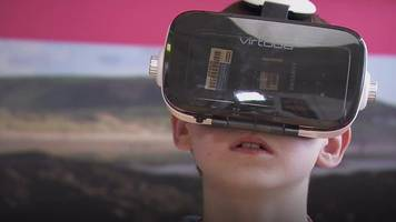 Doctors use virtual reality to prepare children for scans
