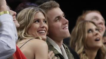 Bouchard honours Super Bowl 'date bet'