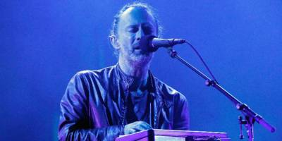 """Watch Radiohead Record """"Ful Stop"""" in New Studio Footage"""
