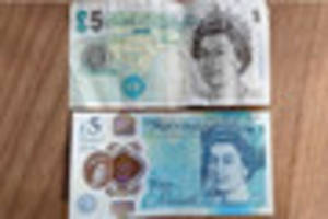 controversial £5 note to stay as a similar £10 note...