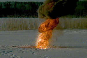 A video of ice and fire: What happens when thermite explodes on a frozen lake?