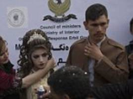 Iraqi refugees marry after fleeing ISIS