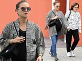 Natalie Portman and mom Shelley head out for lunch