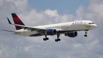 delta thinks the way back to your heart is more free stuff