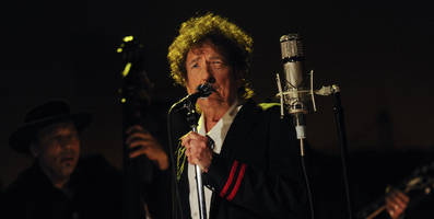 """listen to bob dylan's frank sinatra cover """"my one and only love"""""""