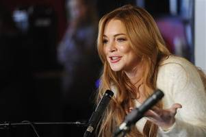 Lindsay Lohan calls on Americans to support Donald Trump