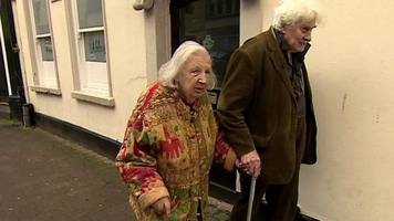 couple who met over a bin finally marry in their 80s