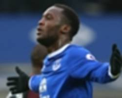 lukaku cheekily bemoans lack of fifa 17 upgrade