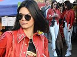 kendall jenner turns tourist for the day in london