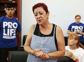 Norma McCorvey, 'Roe' in Roe v Wade case legalizing abortion, dies aged 69