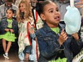 beyonce treats daughter blue ivy to cotton candy