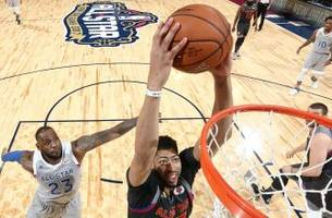 Anthony Davis sets scoring record as West beats East 192–182 in 2017 All-Star Game