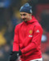 Man United legend reveals Zlatan Ibrahimovic is under a lot of pressure