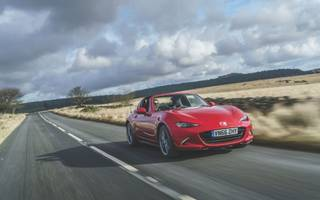 Mazda MX-5 RF review: Raising the roof in a 90s classic