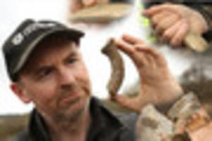 stone age artefact found on derbyshire building site