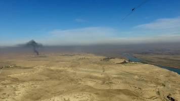 Islamic State: Battle for Mosul by land and air