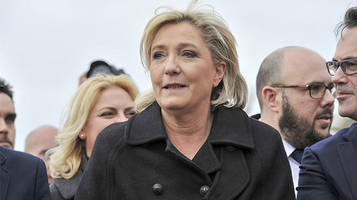 i will not cover myself up: le pen refuses to wear headscarf, cancels meeting with lebanese cleric