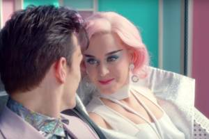 Katy Perry's new music video took safety advice from RollerCoaster Tycoon