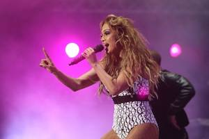 jennifer lopez swoons over harry styles just like you do