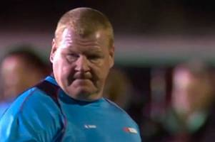 Sutton goalkeeper Wayne Shaw 'in tears' after resigning following pie-eating incident vs Arsenal