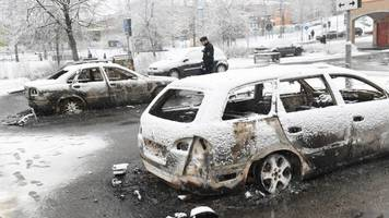 sweden probes riot in mainly immigrant stockholm suburb