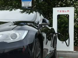 Tesla plans to double the number of Supercharger stations in North America this year (TSLA)