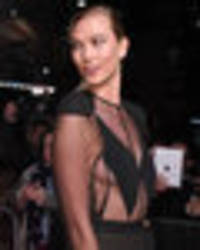 karlie kloss threatens nip slip as she unleashes major sideboob in barely-there gown