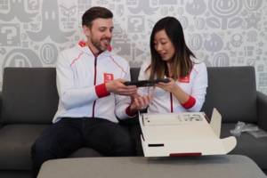 You can watch two Nintendo employees unbox a Nintendo Switch