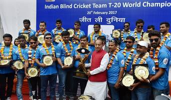 Sports Minister felicitates Indian blind cricket team