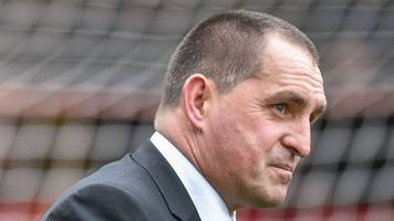 martin allen: eastleigh players need to 'have a hard look at themselves'