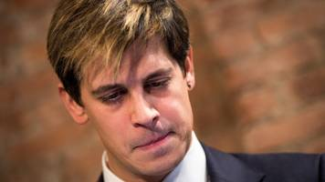 milo yiannopoulos leaves breitbart news but isn't going down quietly