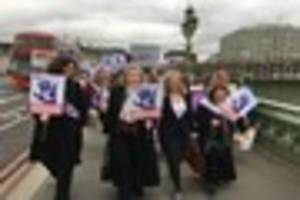 hull women losing thousands in retirement age shake-up protest in...