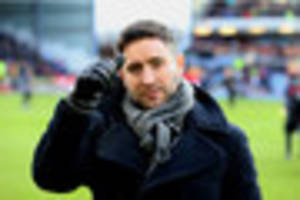 ​lee johnson vows to carry on fighting despite calls from angry...