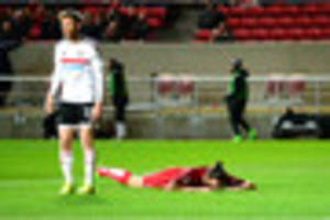 bristol city 0 fulham 2: fans turn on lee johnson as robins fail...