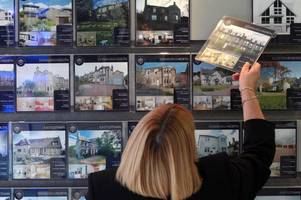 Mortgage borrowing falls in Scotland but first-time buyers surge ahead