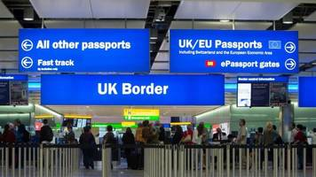 net migration to uk falls by 49,000