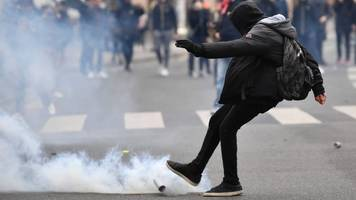 paris protests: students tear-gassed by police