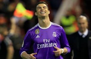 Real Madrid have opened the door for Barcelona and now we have a real La Liga title race