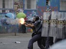 brazil sees pre-carnival parties start with police clashes
