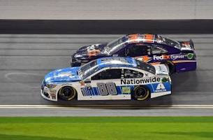 denny hamlin passes dale earnhardt jr. late for victory in can-am duel race no. 2