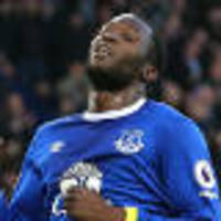 everton look to lukaku as moyes returns