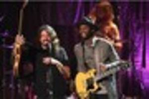 foo fighters to play secret gig tonight in frome, somerset,...