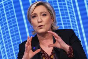 Report: Le Pen Refuses To Answer Police Questions In Parliamentary Jobs Probe