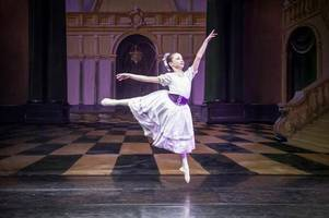perthshire dancer (11) warms up for entrance audition for top ballet school