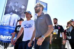 Why Jimmie Johnson has awesome race fans