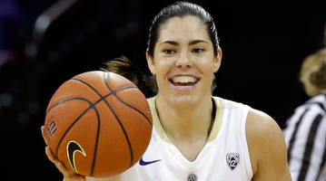Washington's Kelsey Plum sets all-time career scoring record with 57-point game