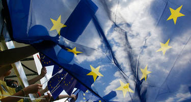 eu lawmakers urge federal union for european states... or else