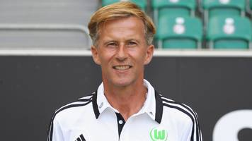 Andries Jonker: Wolfsburg appoint Arsenal academy boss as third head coach of season