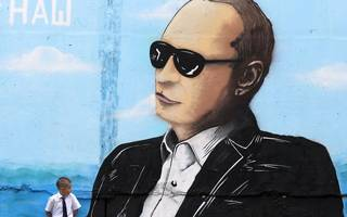 america would gain nothing from cosying up to putin's declining russia