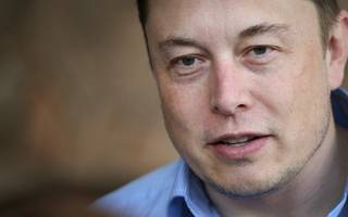 elon musk promises the moon (to two people who can afford it)